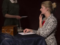 De dame en de dienstbode